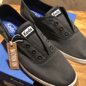 NWT Keds Chillax Charcoal Sneakers